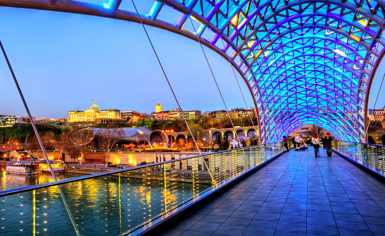 Georgia Tbilisi Ponte Moderno