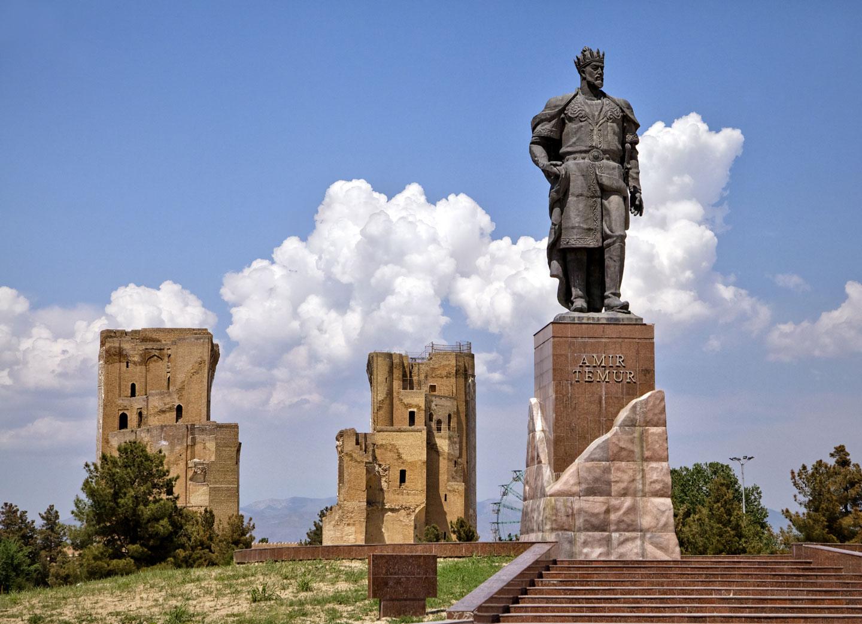 Shakhrisabz, la statua di Tamerlano il Grande