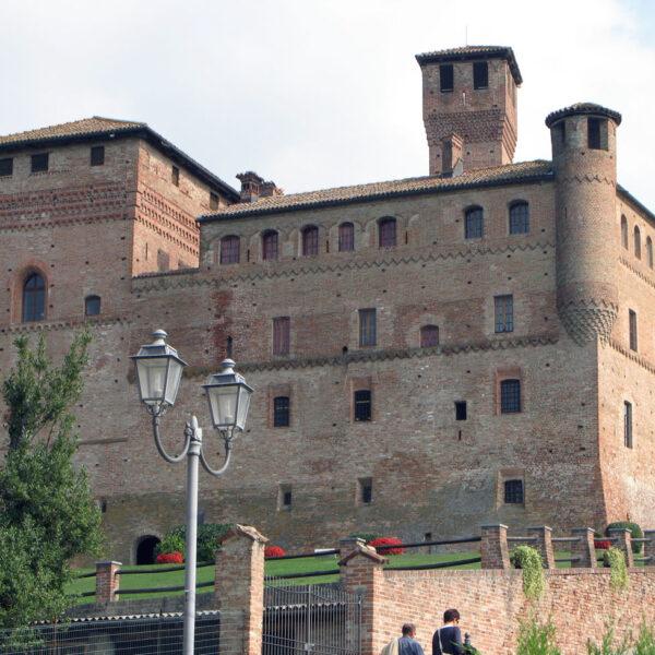 Langhe Piemonte Castello di Grinzane Cavour